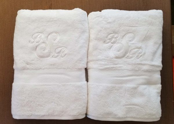 Personalized bath towel set with monogram for wedding gift